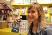 L'auteure des livres jeunesse Planches d'enfer, Chloé Varin, encourage les librairies indépendantes comme la librairie Bric-à-Brac.