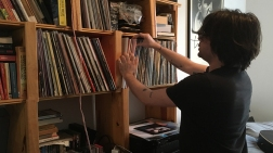 Les passionnés de vinyles, comme l'organisateur de spectacles Philippe Laroque, sont de plus en plus nombreux.