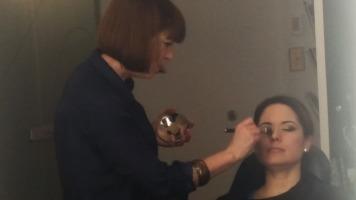 La maquilleuse Sophie Bastien pratique l'art du maquillage depuis une vingtaine d'année.
