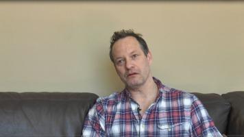 L'acteur Bruno Verdoni explique les différentes difficultés qu'un acteur québécois peut rencontrer.