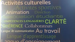 Une affiche située dans la bibliothèque du Cégep régionnal de Lanaudière à Terrebonne.