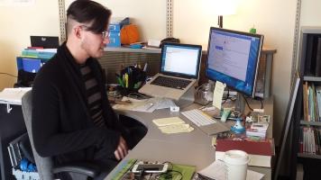 Michael David Miller a perfectionné son français en venant s'installer au Québec en 2008, s'étant toujours passionné pour l'apprentissage de nouvelles langues.