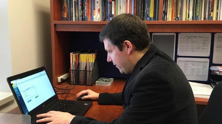 Robert Ménard enseigne la sociologie au Cégep de Terrebonne.