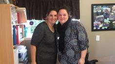 La directrice des Répits de Gaby Mélissa Marcil accompagnée d'une intervenante clinique de l'organisme Claudine Landry dans leur bureau. Photo: Laurence Ladouceur.