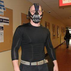 Pierre-Luc Malouin, déguisé en Bane, le méchant dans Batman.