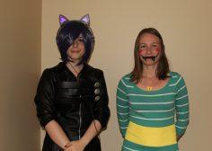 De gauche à droite, Émilie Aubé, déguisée en Touka, et Ariane Savoie, déguisée en Chara.