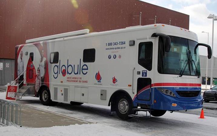 L'unité mobile d'Héma-Québec. (Photo: Anne-Sophie Payant)