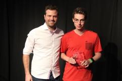 Prix Distinction Ô Courant : Léo Gagnon (à droite) accompagné du responsable de l'année pour son travail à Ô Courant, Charles Messier.