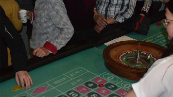 Une table de roulette de la soirée casino au Cégep à Terrebonne organisée par Steve Boucher le 2 mars 2018 afin d'amasser du financement pour un voyage au Portugal. Photos: Éléonore Champagne.